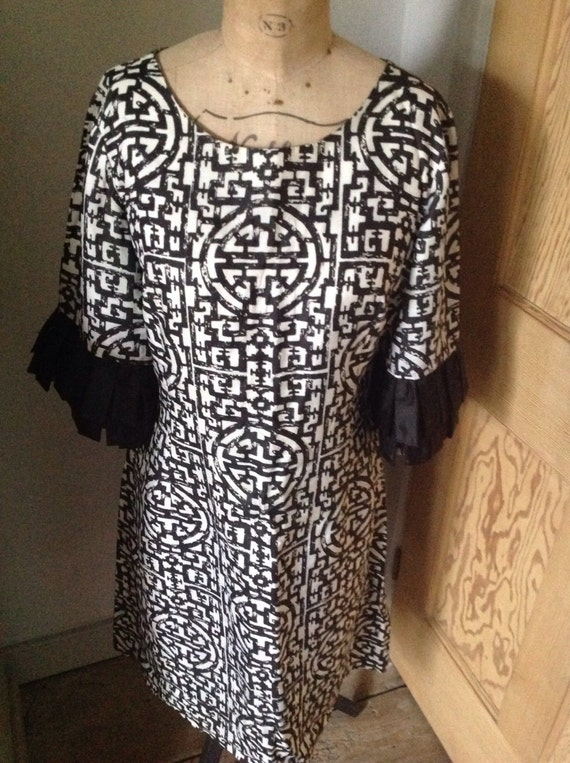 1950's Black and white rayon dress