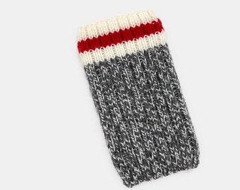 Hand Knit Apple iPod Classic Sleeve | Apple iPod Cozy | Apple iPod Classic Cover | iPod Case - Roots Canada Cabin Style