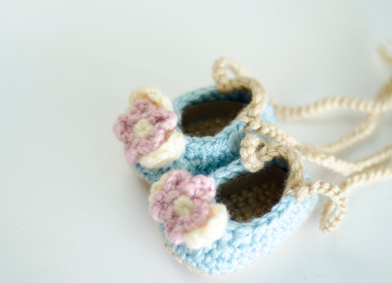 crochet baby booties, baptism gift for girls, floral baby crib shoes _ ballet slippers in beige and ivory, new baby coming home