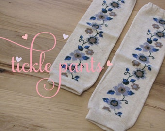 Legwarmer OVERSTOCK- Creamy/ivory with shades of blue flowers- Fits infants to older girls