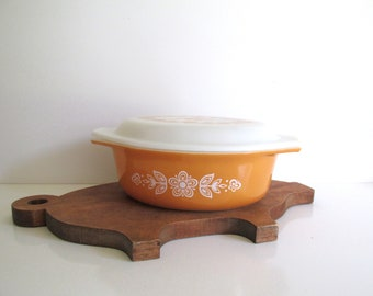 Vintage Mid Century Pyrex Covered Casserole Butterfly Gold Pattern Cinderella Handles