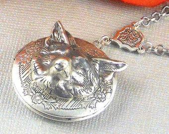 Fox Locket Necklace, vintage locket long necklace,  3D Fox animal locket pendant, Fox Head, Photo Locket wolf necklace