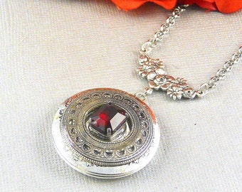 Garnet ,Locket,Antique Locket,Silver Locket,Garnet Stone,Vintage Rhinestone, Romantic,Red Stone,Garnet Birthstone.