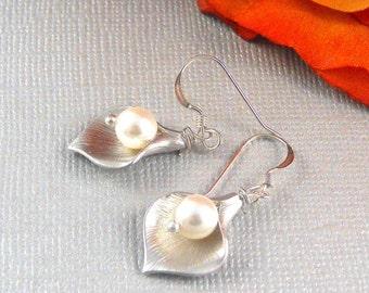 Calla Lilly, Calla Lilly Earrings, Earrings, Swarovski, Calla Lily, Pearl Earrings, Calla Earrings Sterling Silver