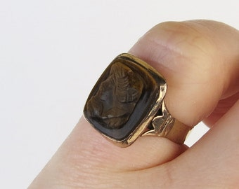 Antique 10k gold Victorian tiger's eye gemstone cameo band ring