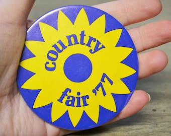 Vintage 1977 Country Fair Pinback Button