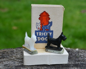Antique Tricky Dogs Magnetic Toy