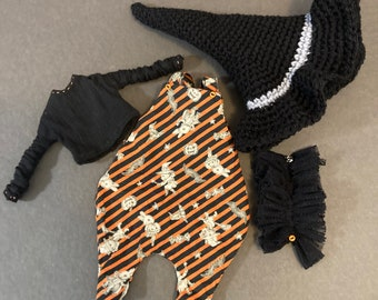 Cute Halloween themed four piece outfit for Blythe.