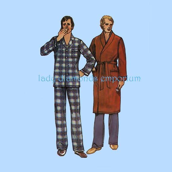 Mens Pajamas   Robe Bathrobe Top Pants size L Large Chest 42  d2e12ab8c