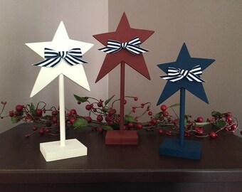 Pedestal stars, set of 3