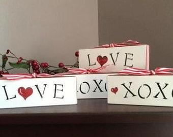 Valentine blocks, set of 2, Love and XOXO