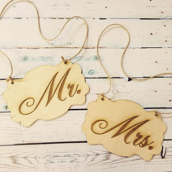 Wedding chair signs / mr and mrs / wood sign / wedding photo prop / chair signs