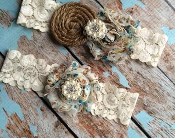 BLUE FLORAL  & Burlap garter /wedding garter / bridal  garter /  garter / barn rustic wedding garter / vintage inspired lace garter