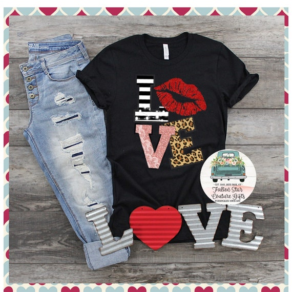 Love Shirt, Valentines Day Shirt , Woman's Valentine Shirt, Heart Love Shirt, Valentines Day Tees, Valentines Shirt, Woman's Shirt