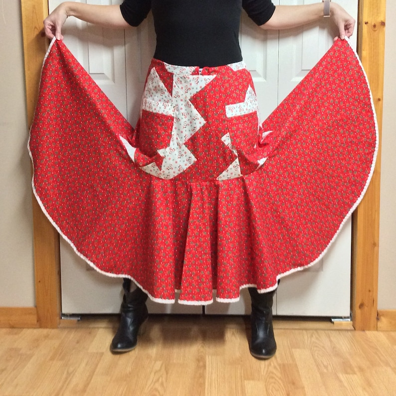 Christmas Patchwork Skirt Old Fashioned Christmas Skirt Traditional Holiday Skirt Mid Calf Trumpet Skirt with Pockets Size S-M