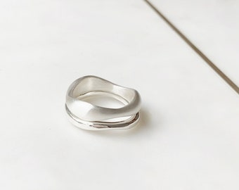 Curved silver ring Optional set with Diamond 9ct solid yellow gold ring.