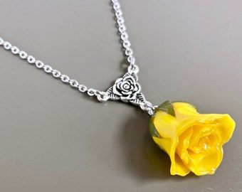 Yellow Rosebud Necklace - Real Rose Necklace,  Flower Jewelry, Natural Preserved, Nature Jewelry, Botanical Jewelry, Gift for Woman