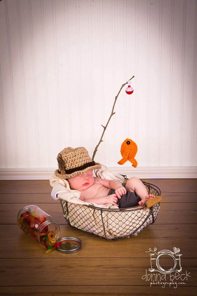 19c50104b1612 Baby Boy Fishing Hat & Fish SET Newborn 0 3m 6m Crochet Photo Prop Boys  Girls Clothes ADORABLE Perfect for All Seasons Daddies Love This