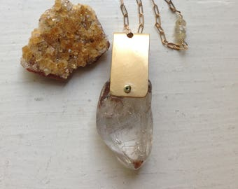 GEO Crystal Chunk ARC Necklace in Quartz and Brass