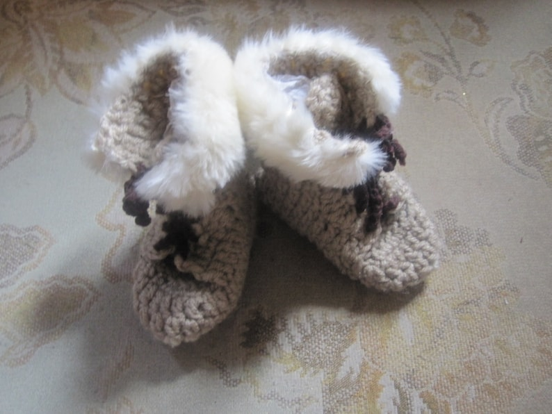 a5b1ca17295 Unisex Beige High Top Baby Uggs Style Booties Faux Fur Trim 0- 6 mo, 6- 12  mo.