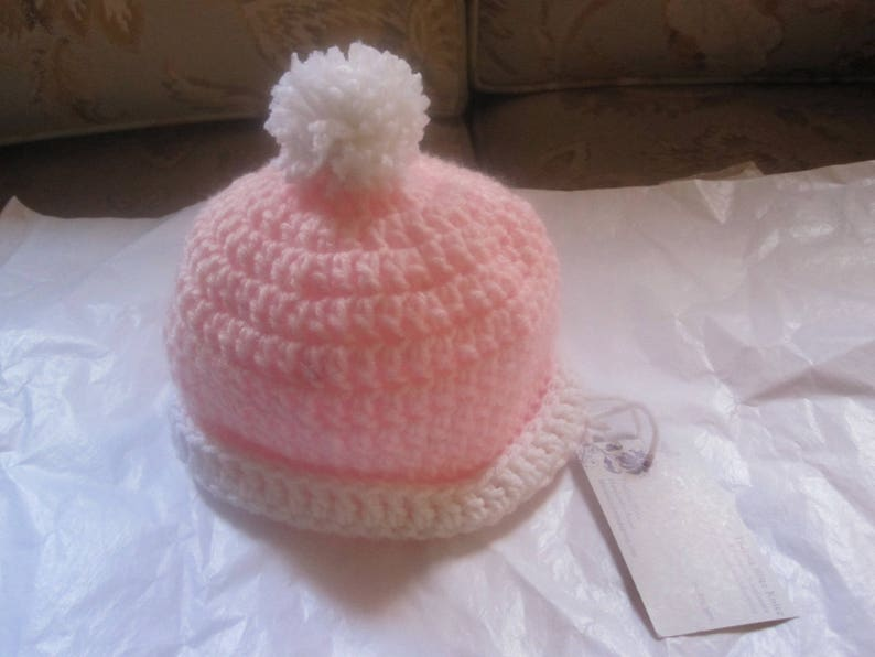 Baby Girl White Crochet Hat with a lovely large flower 0//3 months