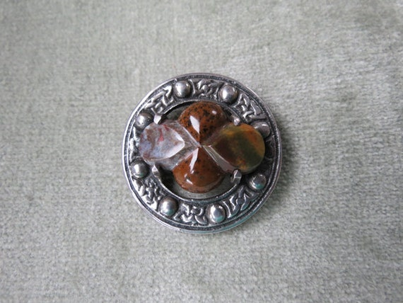 Antique Victorian Scottish Agate and Silver Brooch
