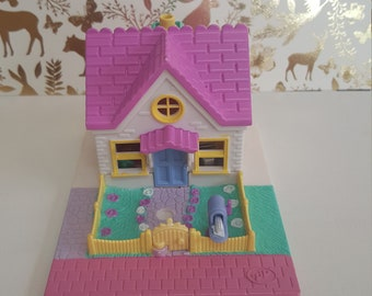 Vintage Polly Pocket Cozy cottage Playset 1993