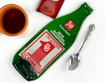 Vintage 1975 7up Salutes Oklahoma Sooners Melted Bottle Spoon Rest, Seven Up Melted Bottle Kitchen Decor, 7 Up 1975 National Champions OU
