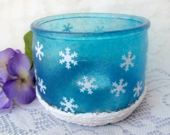 Blue Tealight Candle Holder with Snowflakes, Snowflake Candleholder, Seasonal room Decor, Snowflake Decoration, Housewarming Gift