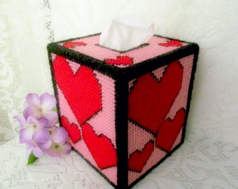 Red Hearts Plastic Canvas Tissue Box Cover, Valentine's Day Decoration, Heart Bedroom Decor, Bathroom Decor, Housewarming Gift, Mother's Day