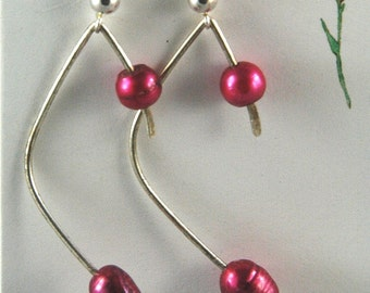 Fushia pearl forged sterling silver earrings