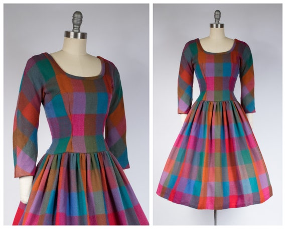 1960s Dress - Vintage 60s Wool Dress in Colorful R
