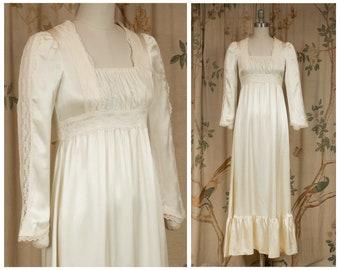 Gunne Sax Dress - 1970s Vintage Gunne Sax Romantic Satin Regency Inspired Cottage Core Dress in Ivory Satin Boho Wedding Style
