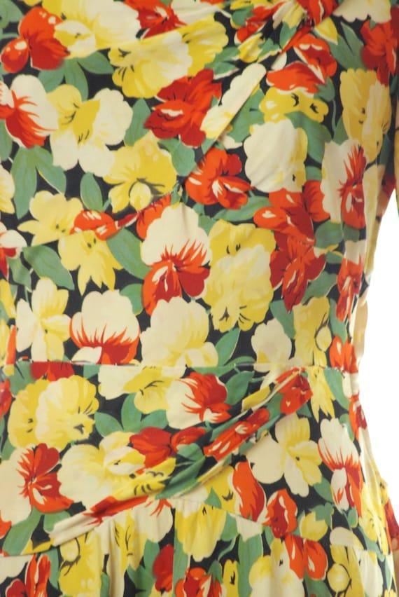 Vintage 1940s Dress - 40s Rayon Jersey Floral Pri… - image 4