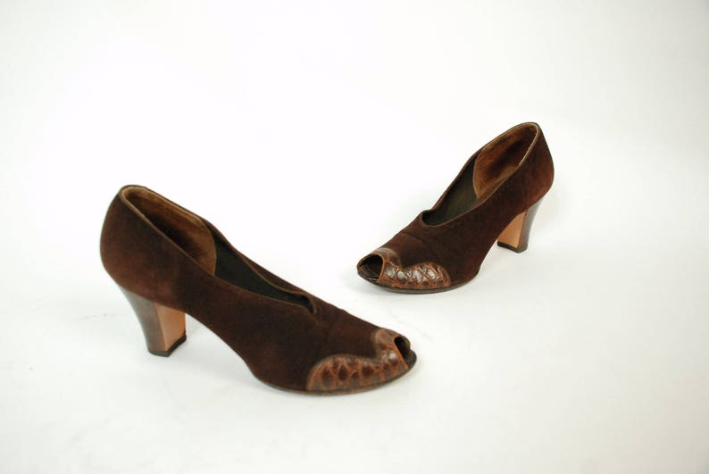 50cb2d6a460f73 Vintage 1930s Shoes Chic Chocolate Brown Suede and Reptile