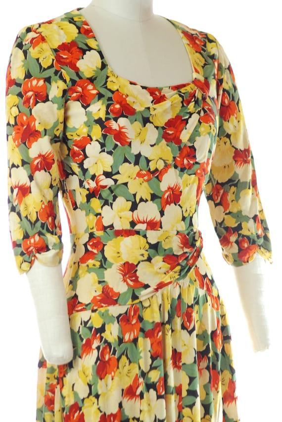 Vintage 1940s Dress - 40s Rayon Jersey Floral Pri… - image 7