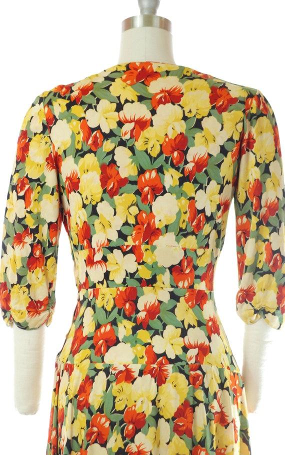 Vintage 1940s Dress - 40s Rayon Jersey Floral Pri… - image 10