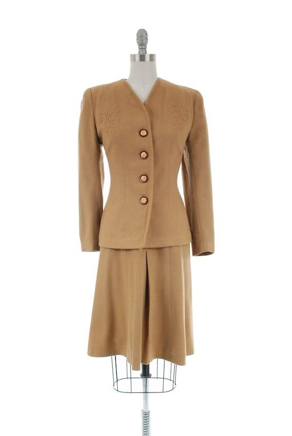 1940s Vintage Suit - Rich Caramel Brown 40s Soft … - image 2