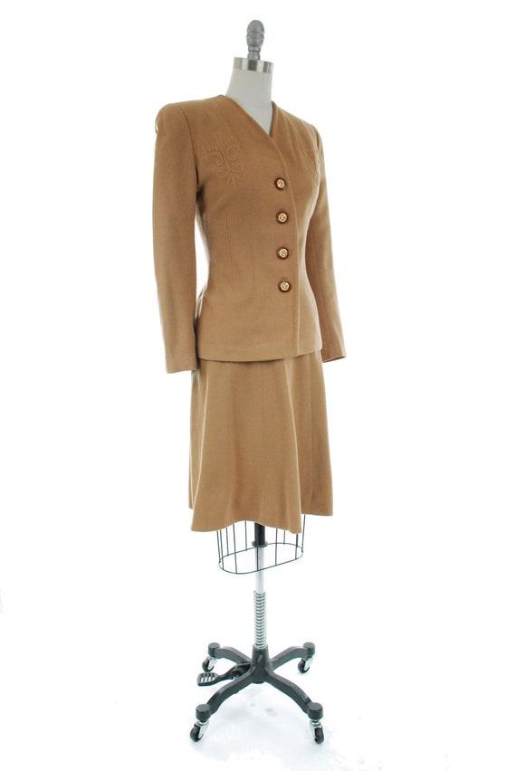 1940s Vintage Suit - Rich Caramel Brown 40s Soft … - image 6