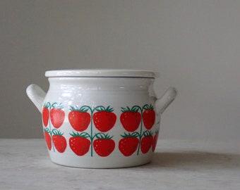 Arabia Pomona jam pot, Strawberry pattern, Arabia of Finland jam pot, Scandinavian Modern ceramics, Raija Uosikkinen design, Arabia jam pot