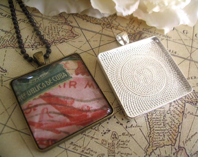 10pk..30mm Square Pendant Trays .....Mix and Match Colors. Antique Brass and Silver