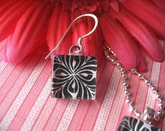 50pc... 16mm square glass tiles for pendants or earrings.