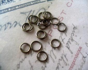 200...6mm Antique Brass Split Jump Rings