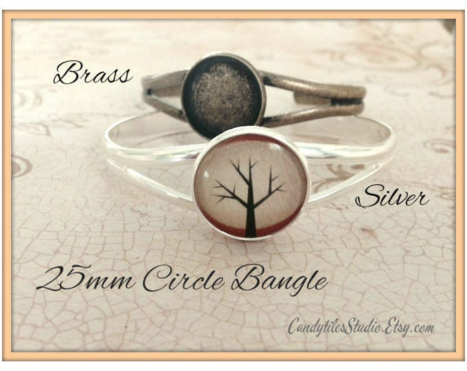 5pc.. Circle Bangle Bracelet ...20mm glass inserts included....Mix and Match...Antique Brass and Silver