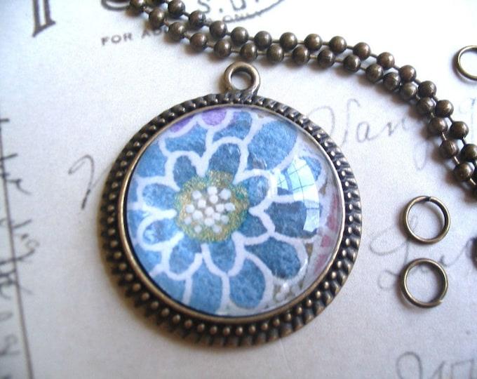 10pk DIY Antique Pendant Necklace Kit...10 Antique Pendand Settings..10 Glass Tile Cabochons...10 Jumprings...10 Chains
