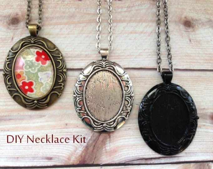 5pc..DIY Vintage Style Oval Necklace Kit...Inside diameter 22x30mm....Pendant Trays