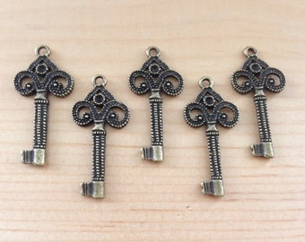 5pc Vintage Style Antique Brass Key Charms...33x15mm