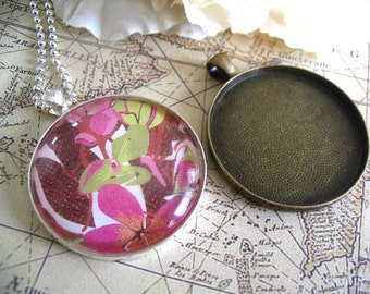 10pk... 38mm Circle Pendant Trays ....Mix and Match Colors. Antique Brass and Silver