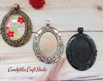 10pc...Vintage Style Oval Pendant Trays...Mix and Match...Antique Brass, Black  and Silver...30mm x 40mm..Inside diameter 22x30mm