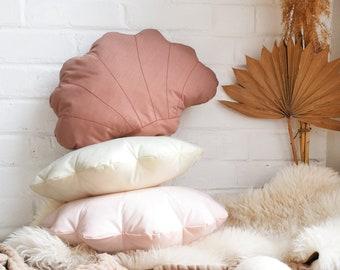 Shell pillow pink, seashell pillow, Shell shaped pillow, vintage seashell pillow, scallop shell pillow, shell cushion, shell throw pillow